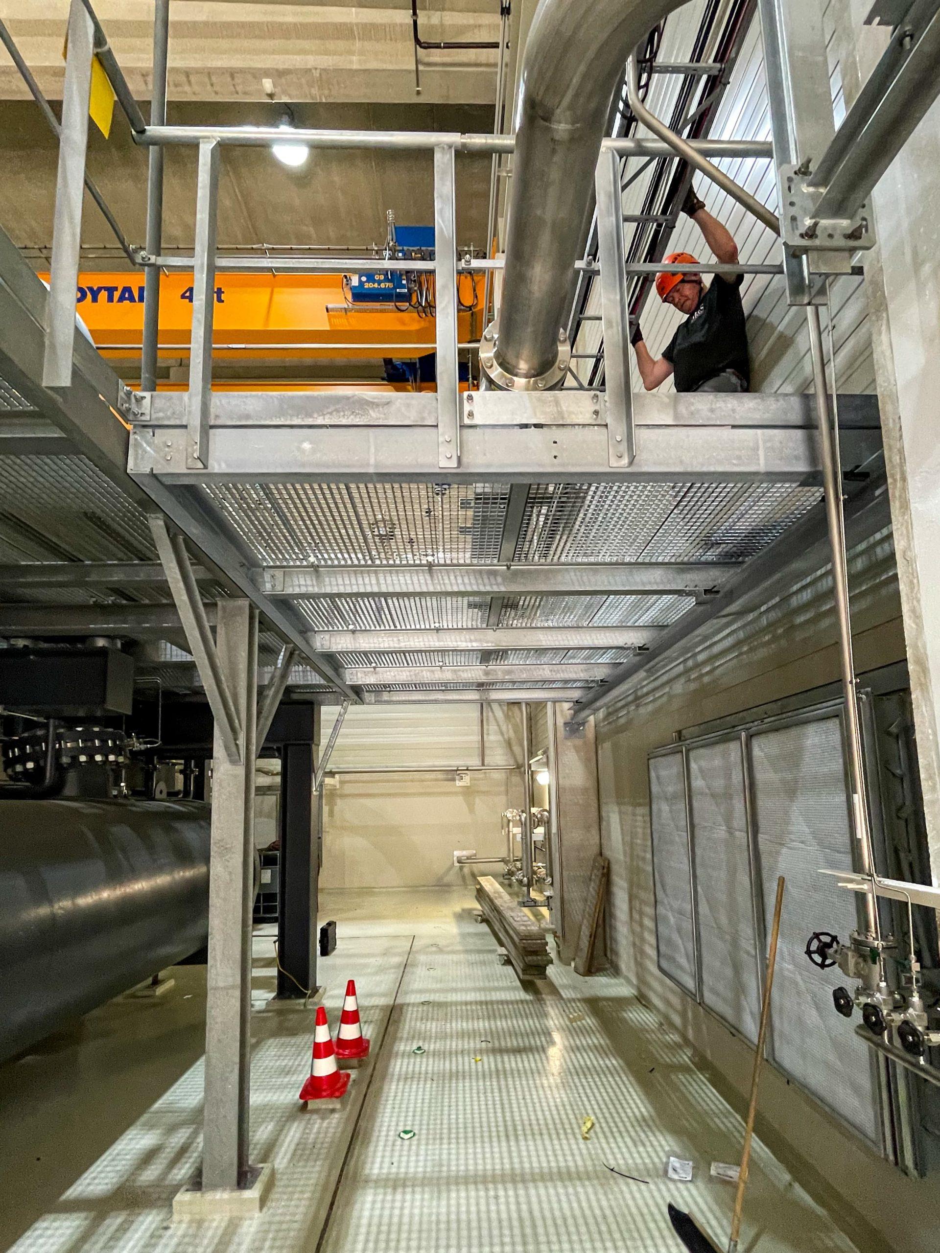 Stahlbau Basel – Podesterweiterung